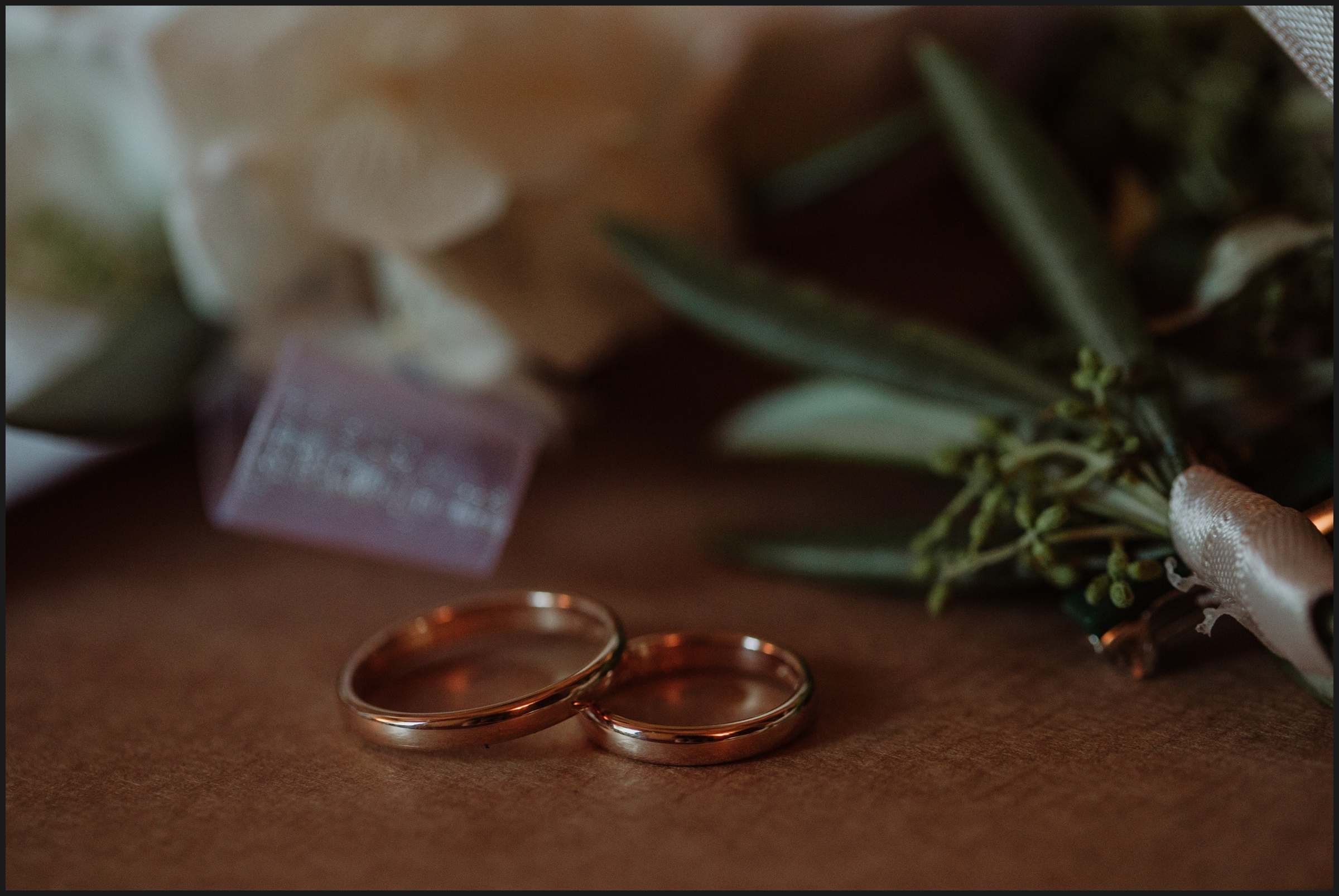wedding rings, details