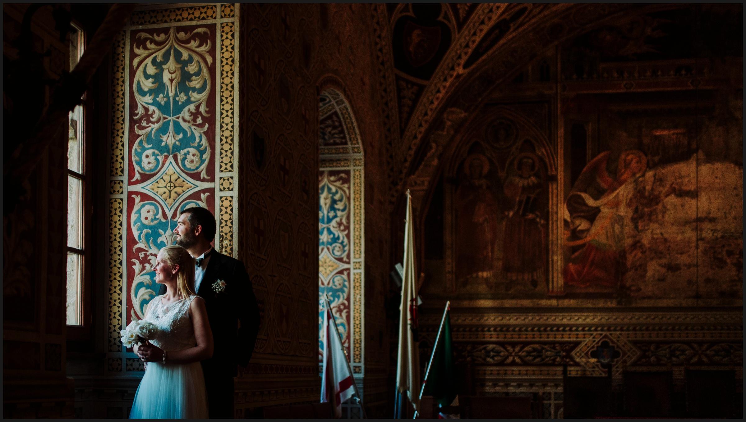 norwegian wedding in volterra, couple portraits