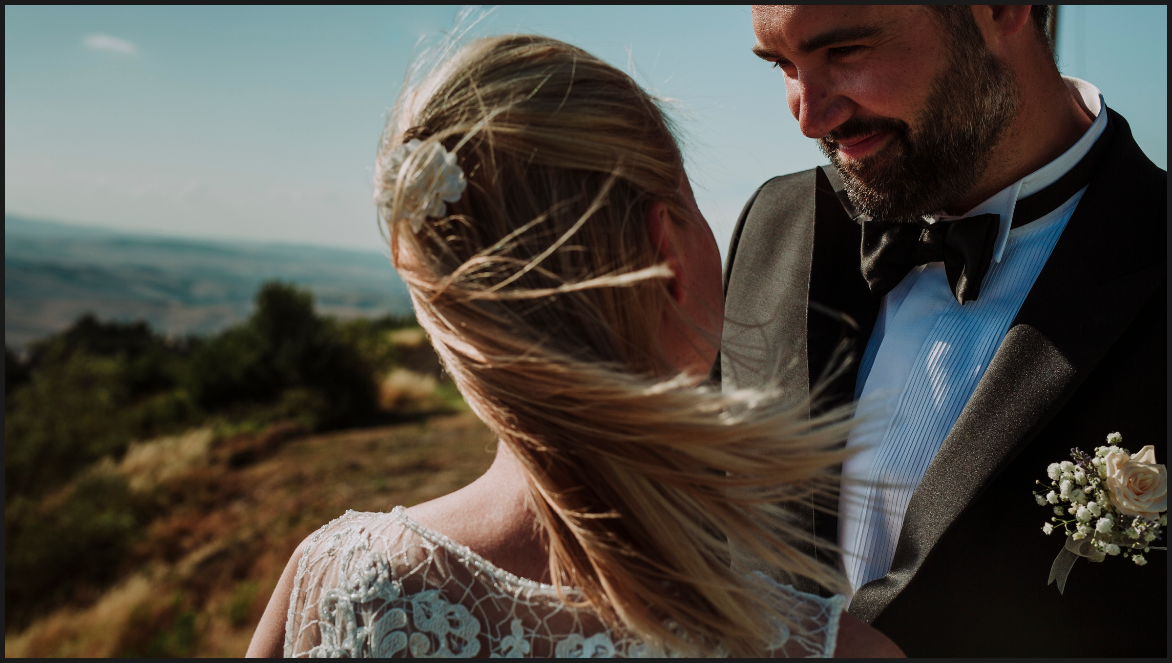 bride, groom and the wind in Volterra